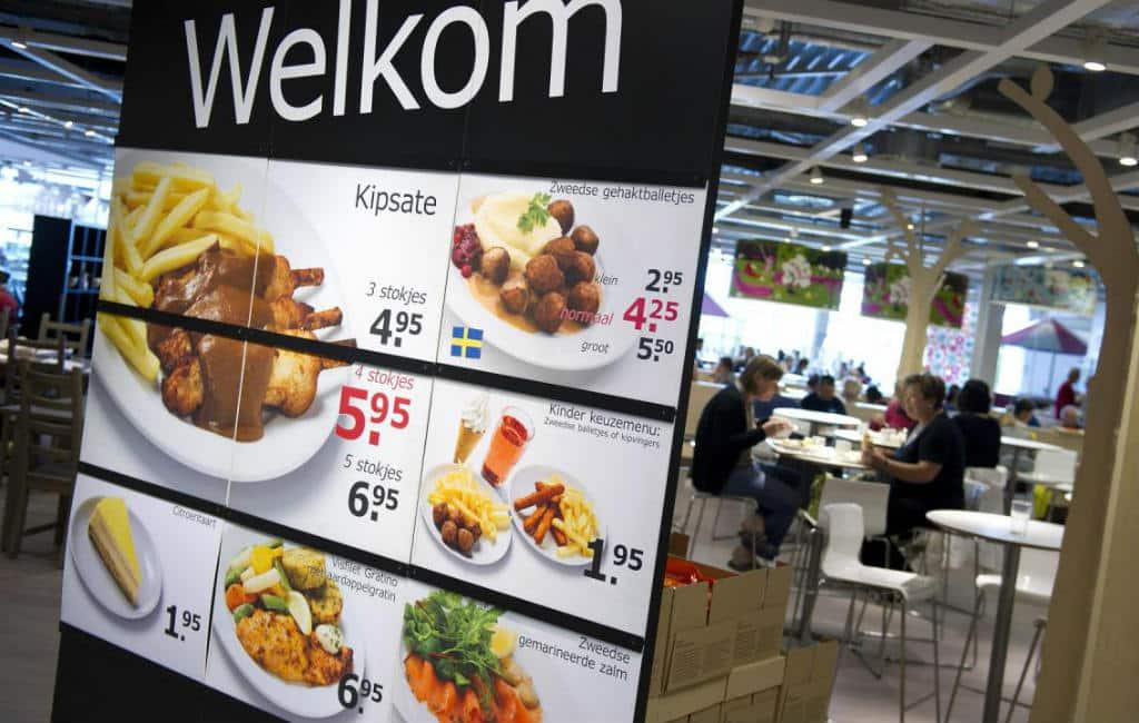 """Ikea gaat in Spanje """"take away"""" eten aanbieden maar niet thuisbezorgen"""