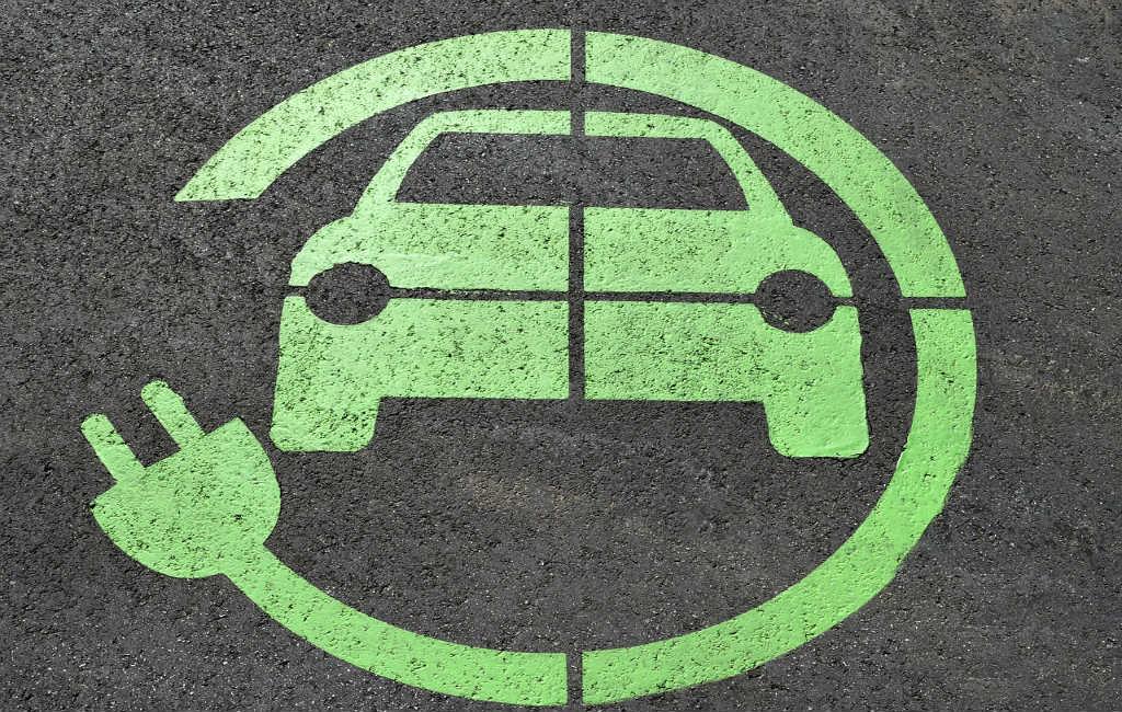 Spaanse regering verbiedt benzine, diesel en hybride auto's in 2040