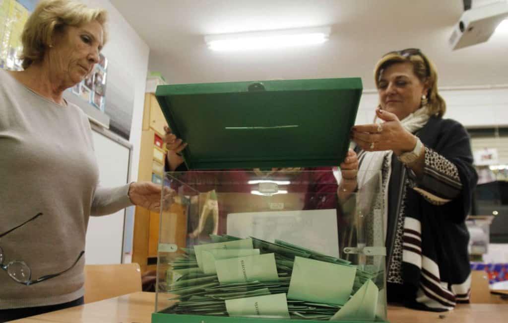 2-D: PSOE wint verkiezingen Andalusië terwijl extreemrechts haar intrede maakt