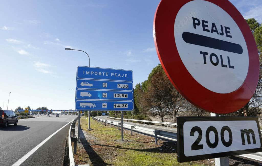 Door de Spaanse staat geredde tolwegen worden goedkoper