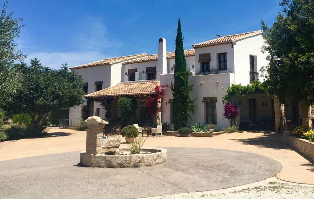 Plattelandshotel Castell de la Solana in Alicante gekocht door Nederlanders