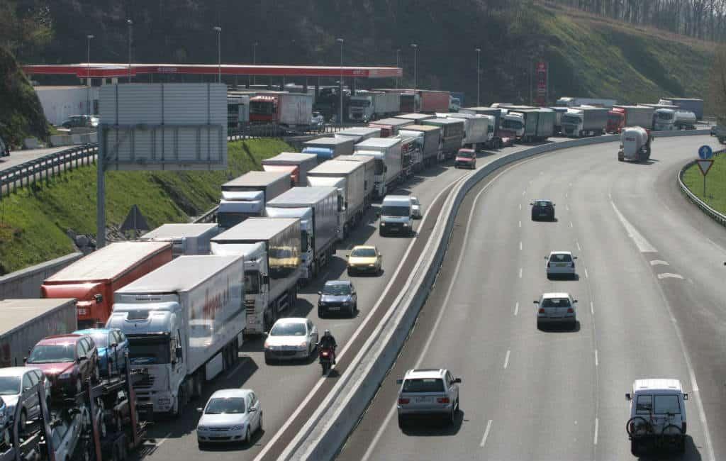"Files vanwege Franse ""Gele Hesjes"" bij grensovergang La Junquera"