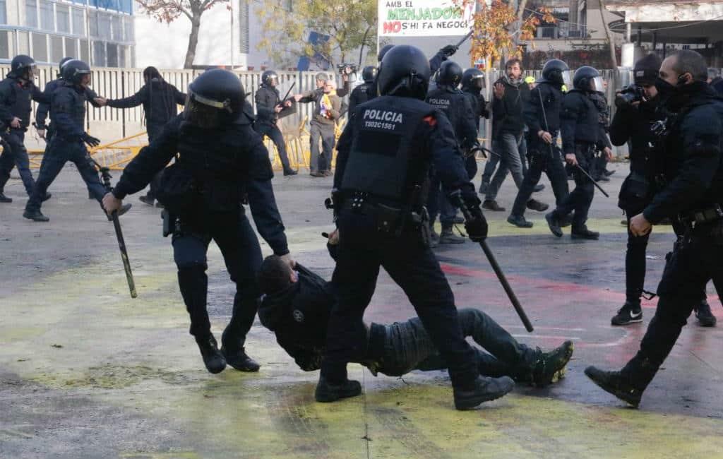 Problemen rondom hardhandig optreden Catalaanse politie in Gerona en Terrassa