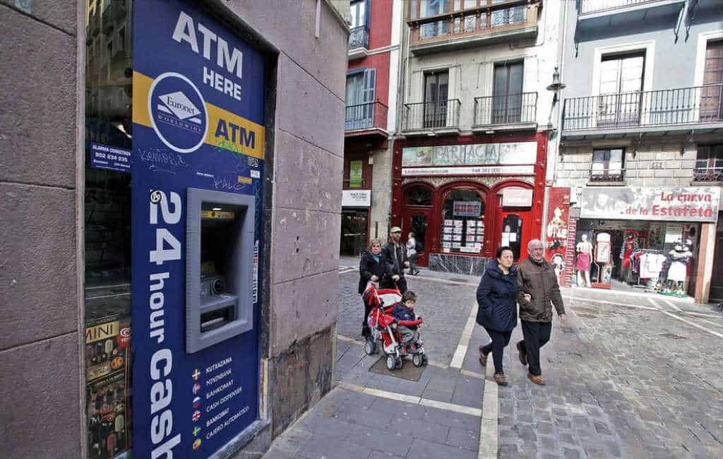De opkomst van de ATM pinautomaten in Benidorm