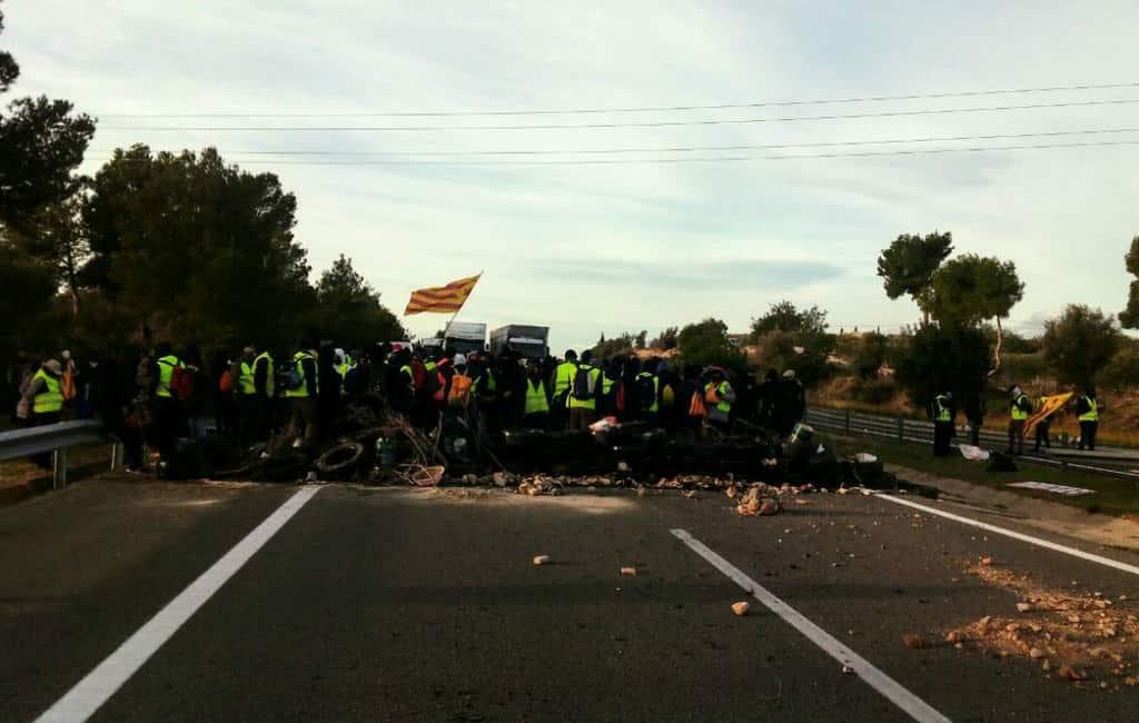 Attentie: Catalaanse manifestanten blokkeren AP-7 snelweg in Tarragona