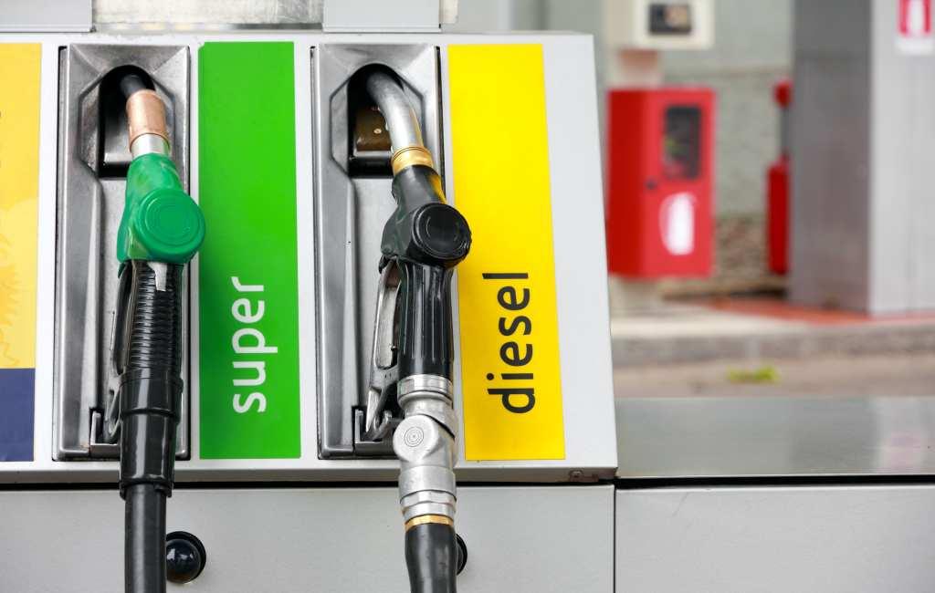 Benzineprijs voor het eerst sinds 2017 onder de 1,20 euro in Spanje