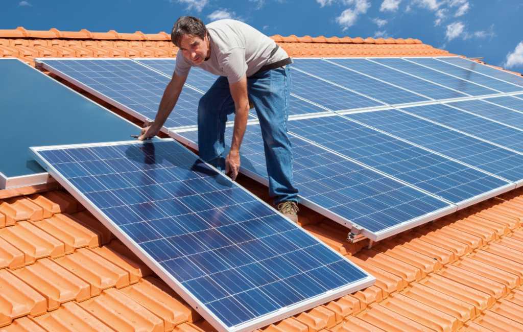 Bouwmarkt Leroy Merlin verkoopt zonnepanelen in Spanje