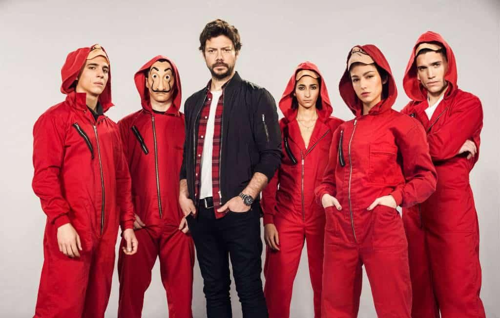 Speelt seizoen 3 van La Casa de Papel zich af onder de Spaanse Bank in Madrid?