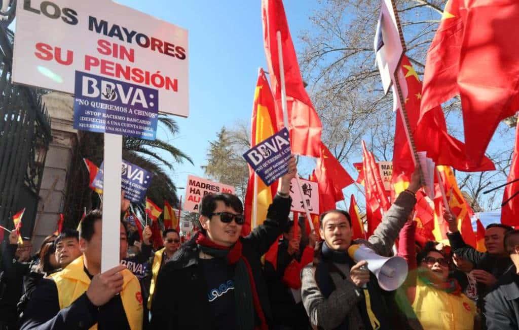 Chinees protest over bevriezen van bankrekeningen in Spanje