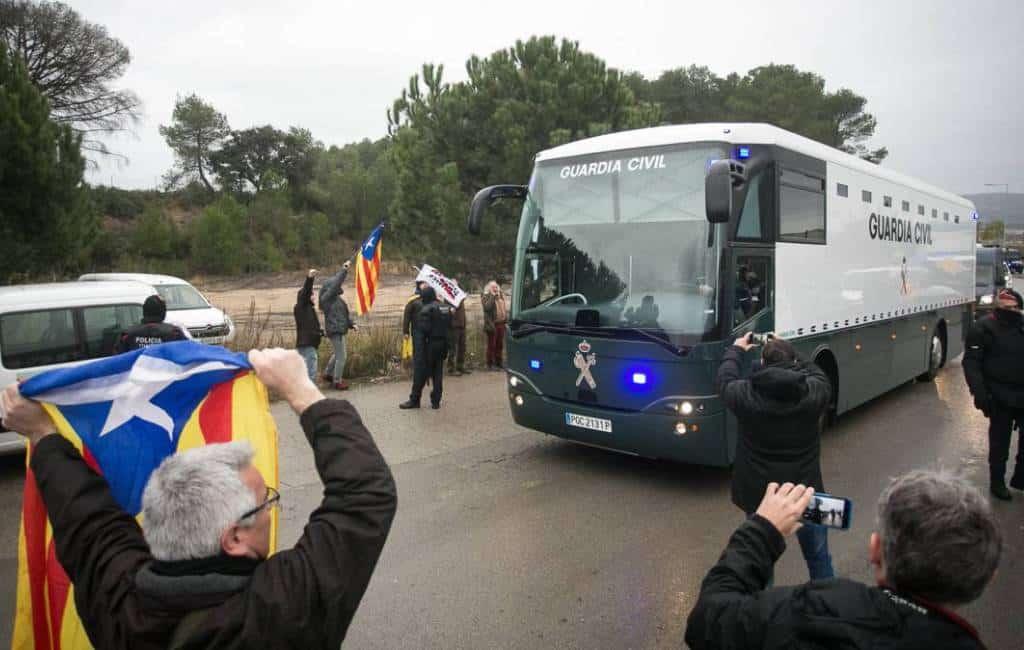Politici worden van Catalaanse gevangenissen naar Madrid overgeplaatst