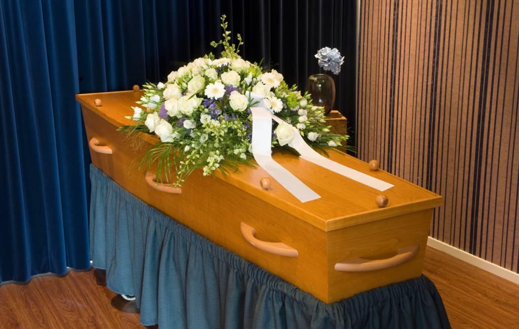 Begrafenisondernemer Valladolid pleegt fraude met grafkisten