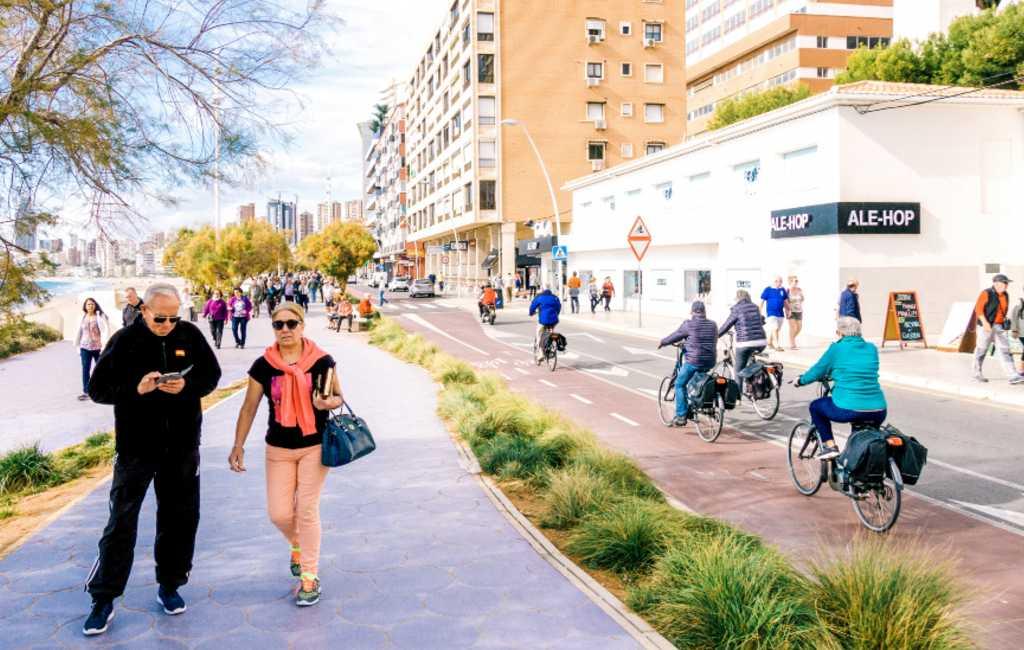 Benidorm verbiedt het rijden met elk vervoermiddel op de trottoirs