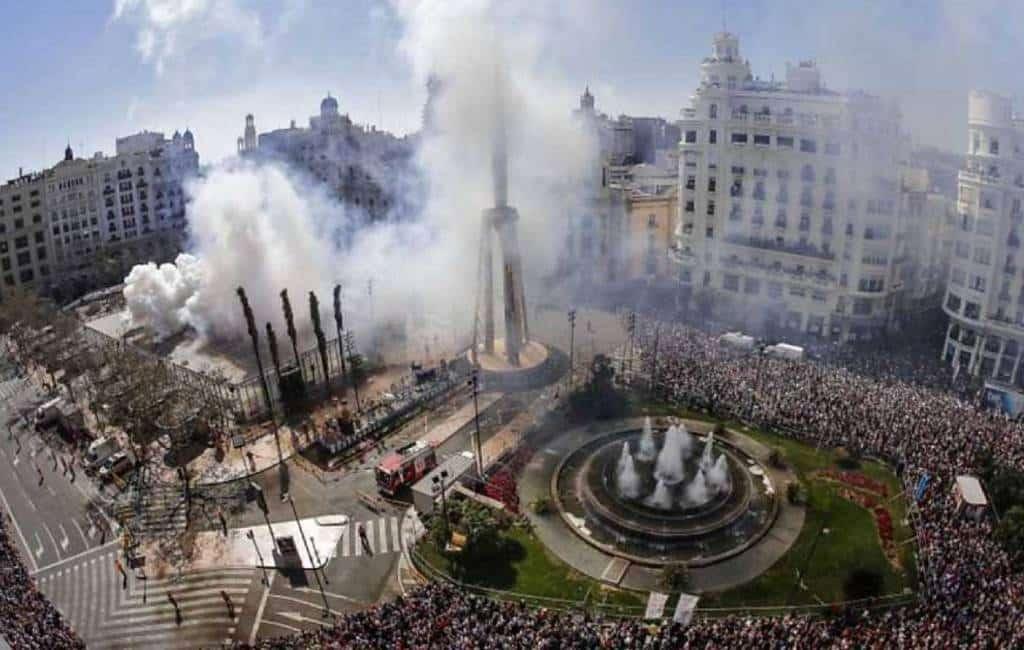 30 lichtgewonden bij tweede 'mascleta' tijdens Fallas feesten Valencia