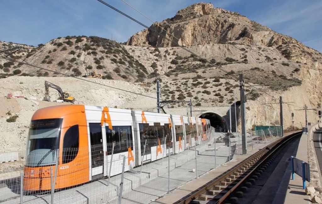 Tramverbinding Alicante-Benidorm door nieuwe tunnel