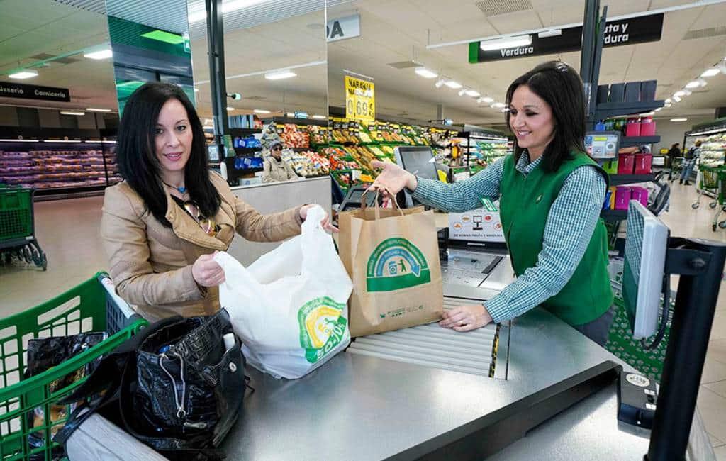 Mercadona gestopt met verkoop normale plastic tasjes in Spanje