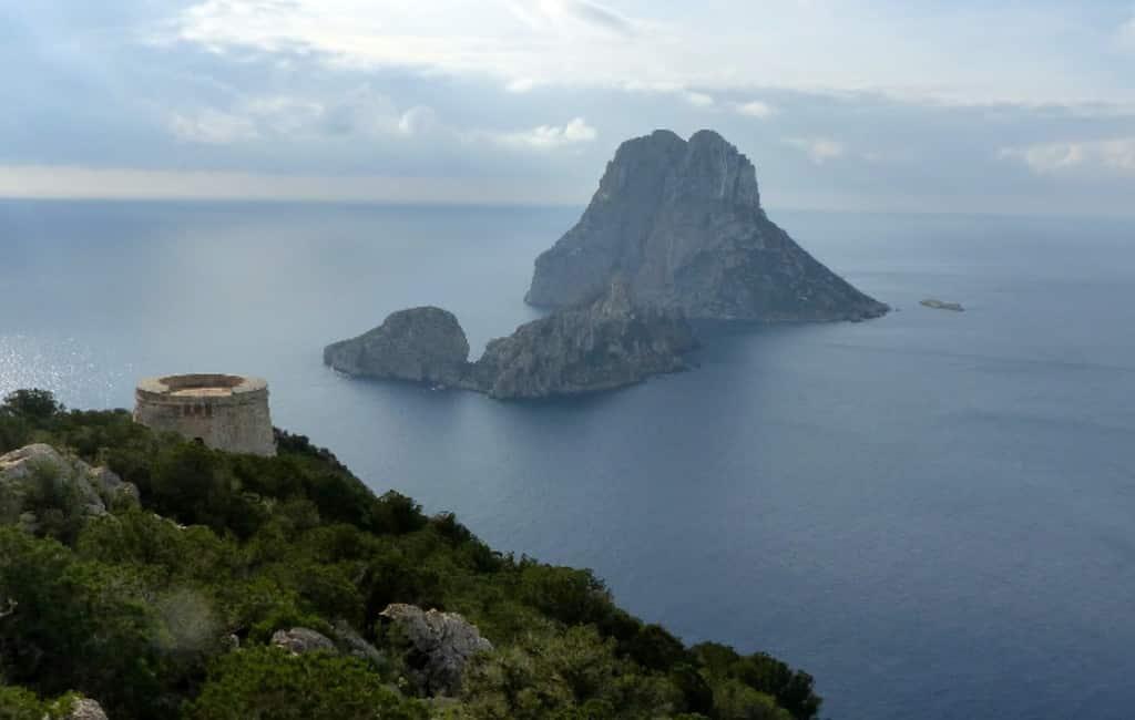 Ibiza wil geiten van het eiland Es Vedrá halen