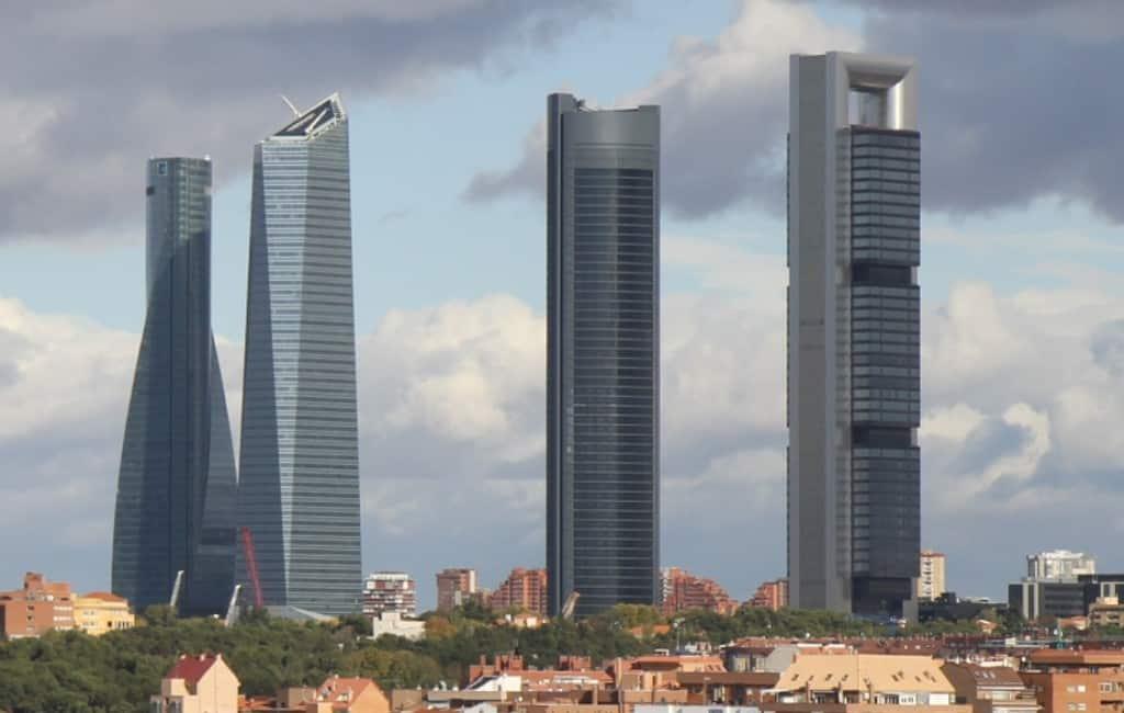 Bommelding in wolkenkrabber Nederlandse ambassade in Madrid