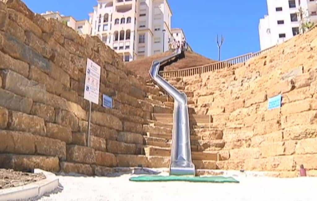 Grootste volwassen glijbaan in Estepona geopend en weer gesloten