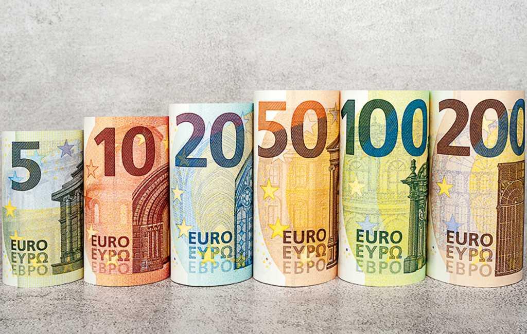 Ook in Spanje nieuwe 100 en 200 eurobankbiljetten