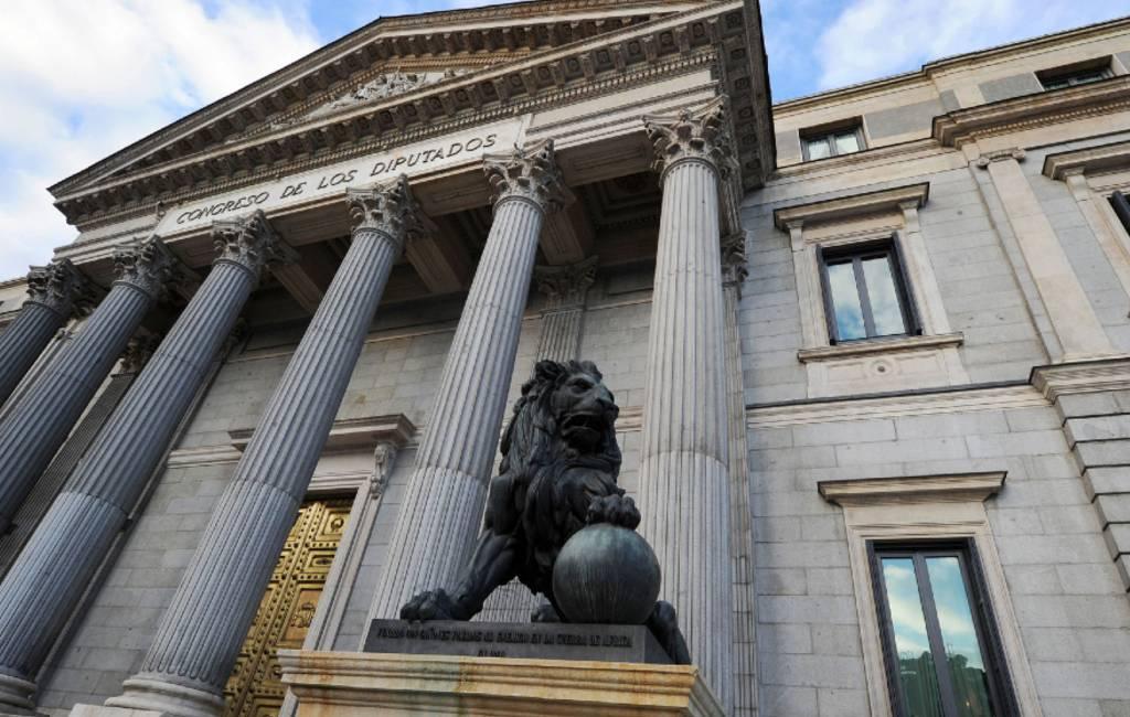 Chaotische eerste parlementsdag in Spanje