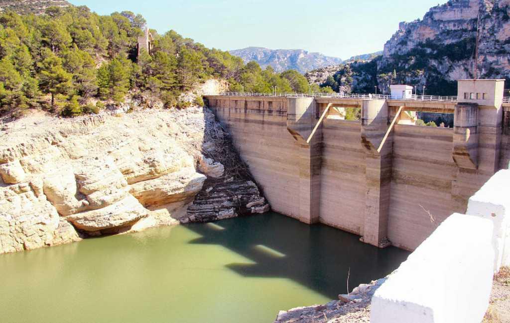 Stuwmeren Spanje na hittegolf voor 57,5 procent gevuld