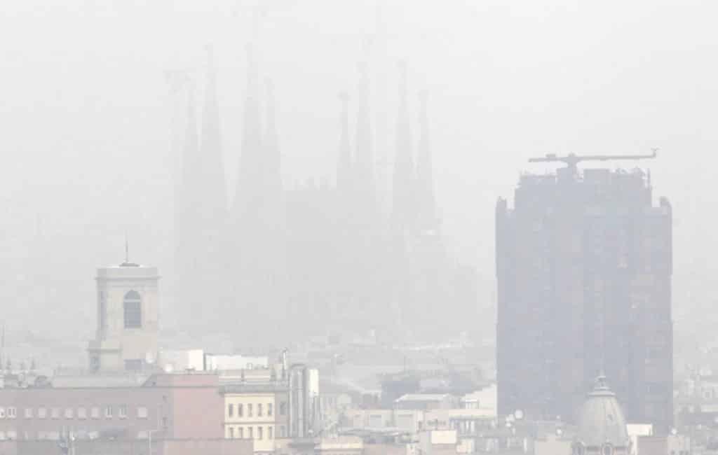 Heel Catalonië heeft weeralarm gehad vanwege luchtvervuiling