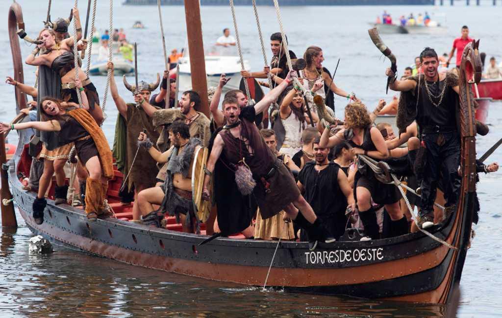 Vikings nemen dorp in Galicië over
