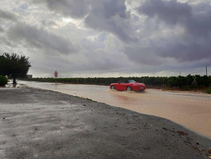 Veel wateroverlast door noodweer in provincie Alicante