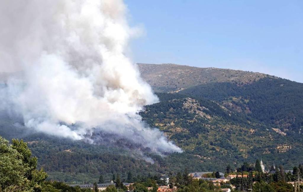 Twee grote bosbranden in natuurpark nabij Madrid
