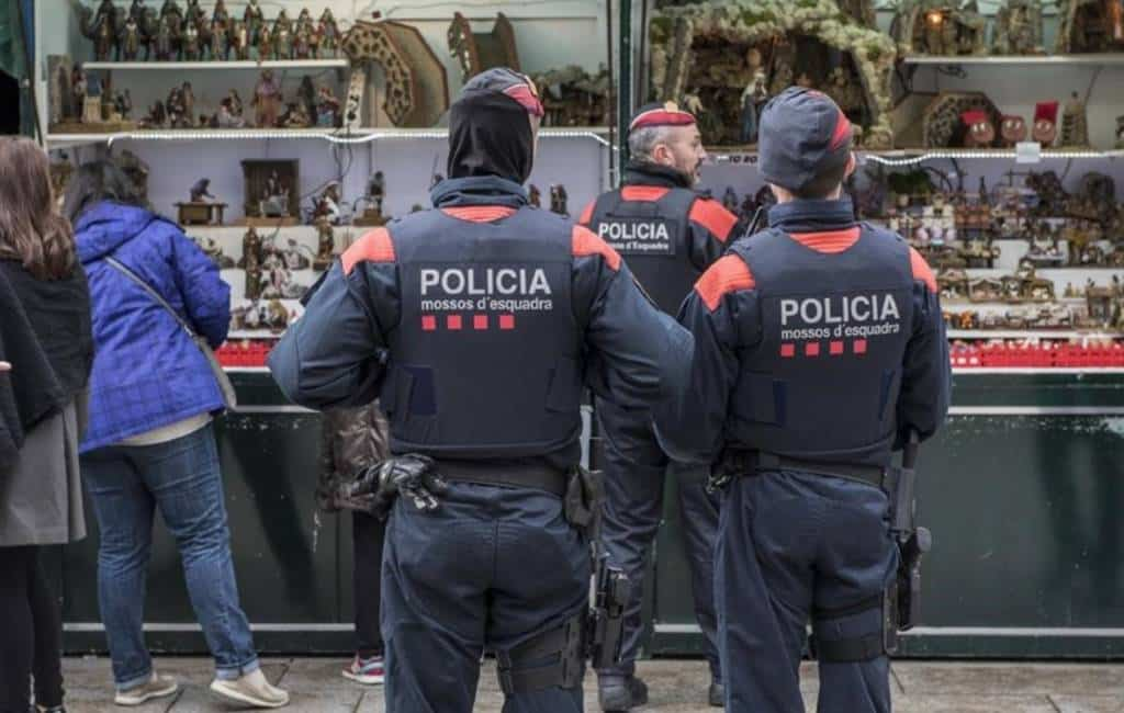 Ambassadeur van Afghanistan en 91-jarige toerist beroofd in Barcelona