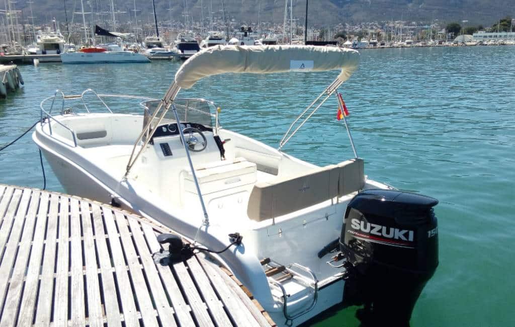 Nederlandse familie uit Altea in boot gered bij Moraira