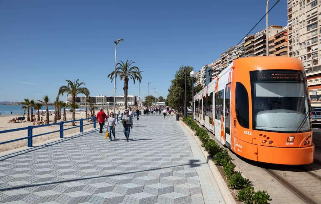 TRAM Alicante vervoert meer passagiers in juli