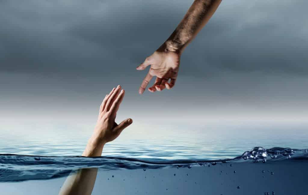 Poolse toerist na uit zee redden meisjes overleden in Tarragona