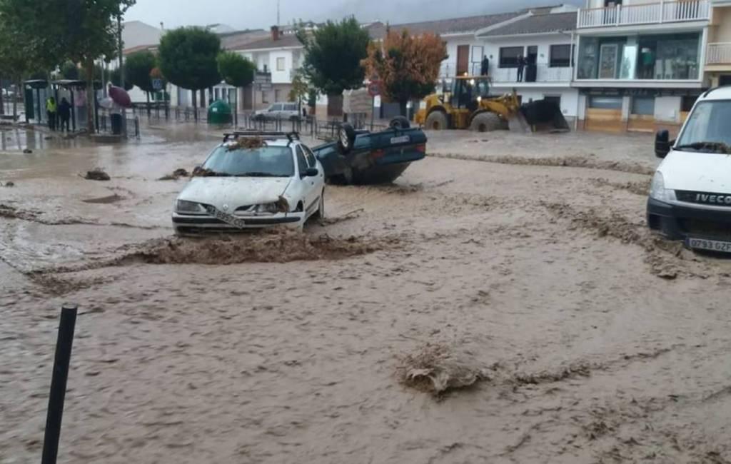 Weeralarm vanwege noodweer in negen provincies in Spanje