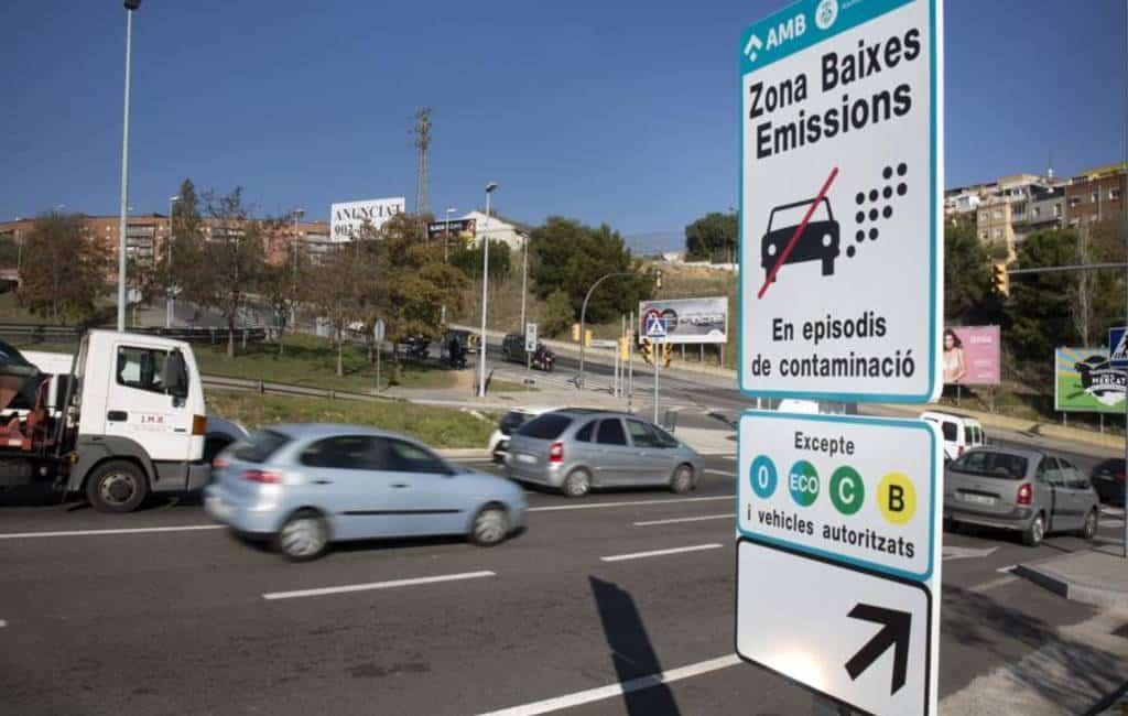 Boetes tot 1.800 euro voor vervuilende auto's in Barcelona