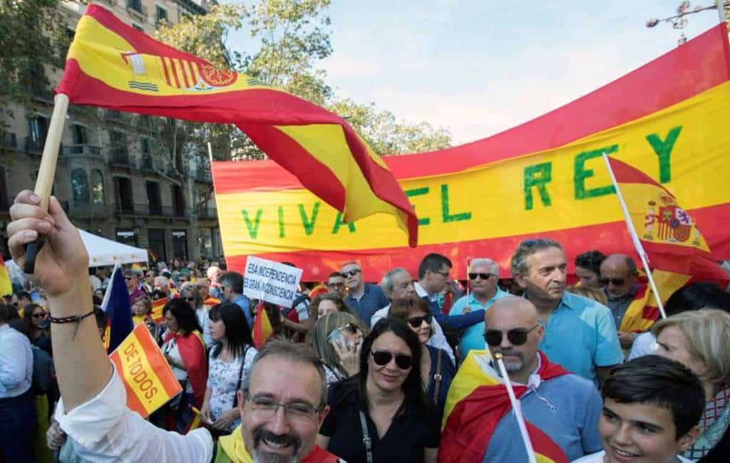80.000 (of 400.000) deelnemers pro-Spanje manifestatie Barcelona