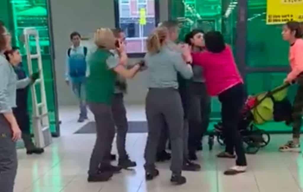 Agressie en vechtpartij na diefstal in Mercadona (video)
