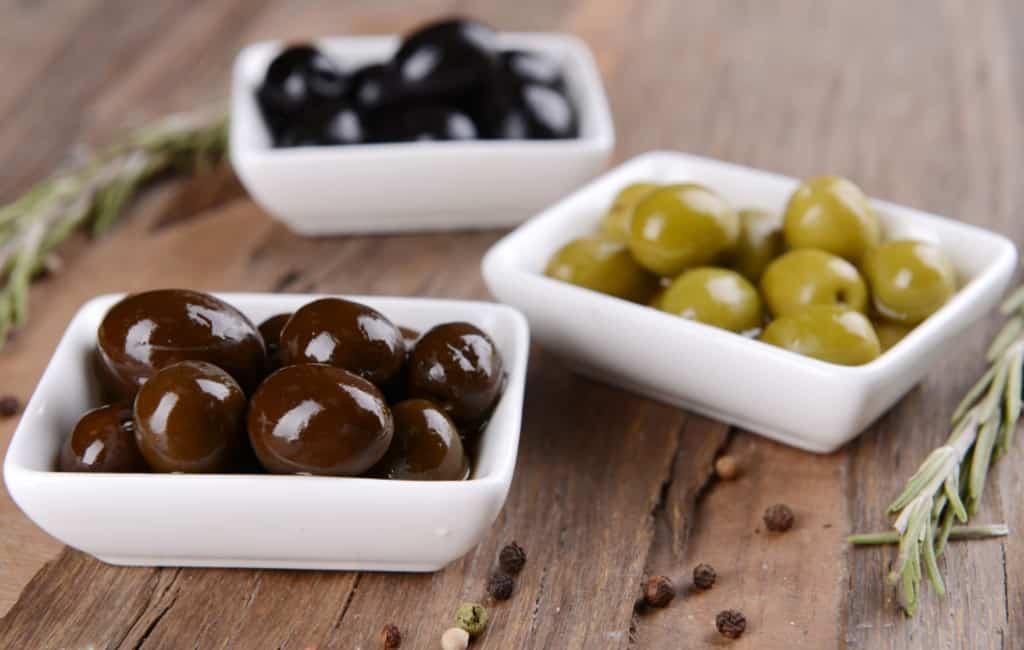 Het verschil tussen groene en zwarte olijven in Spanje