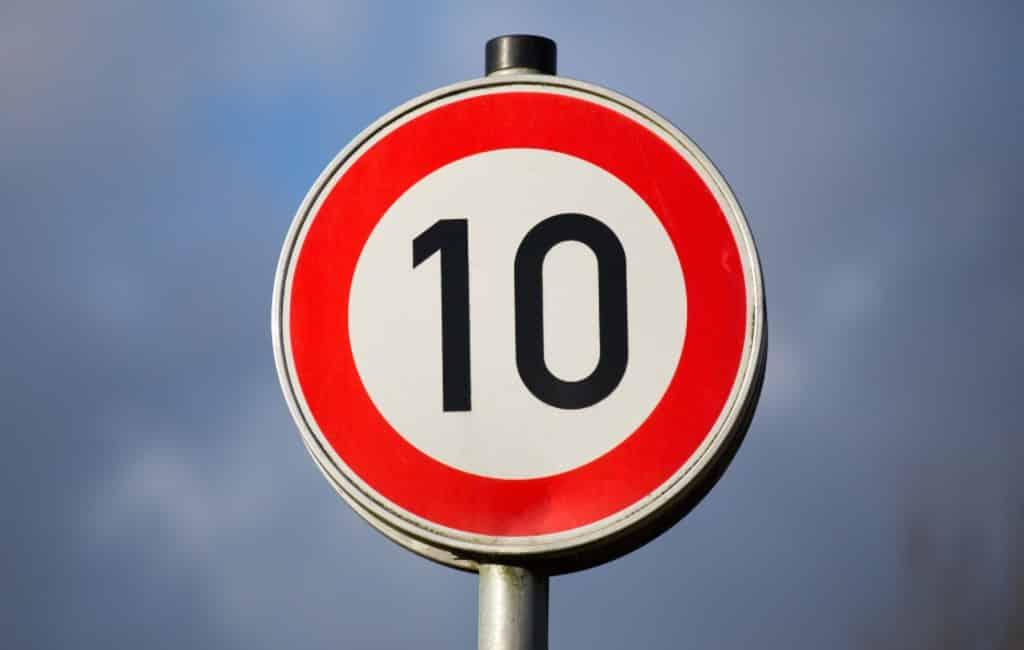 Eerste Spaanse stad waar je niet harder dan 10 km/uur mag rijden