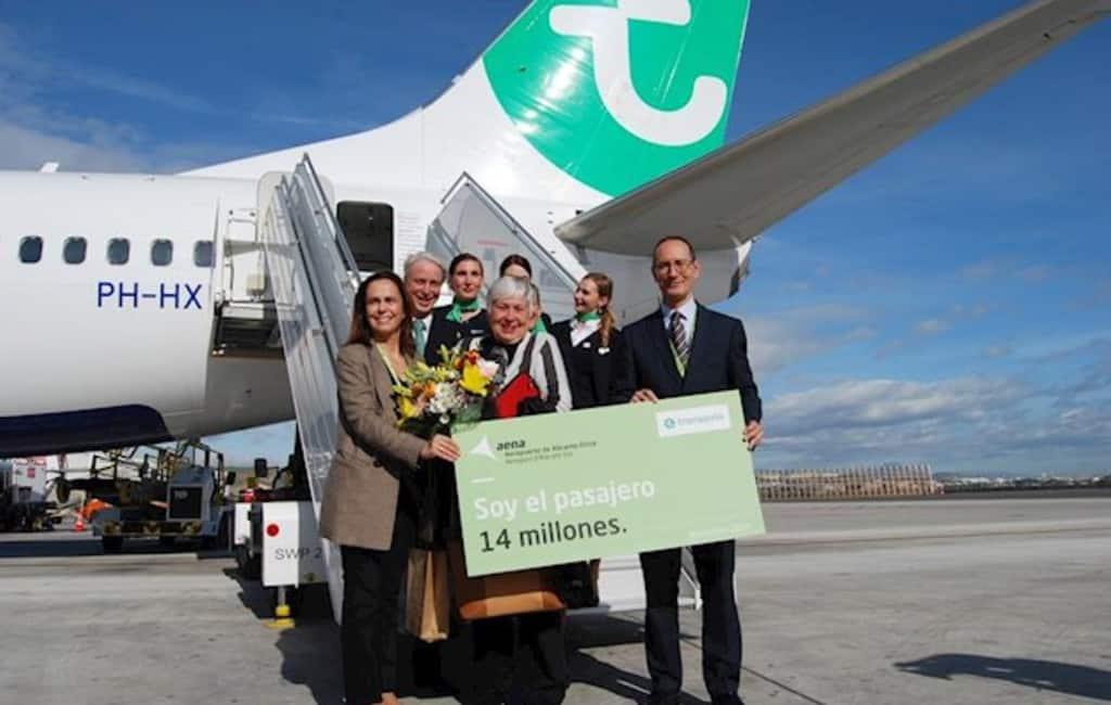 Nederlandse toeriste is 14 miljoenste passagier Alicante vliegveld
