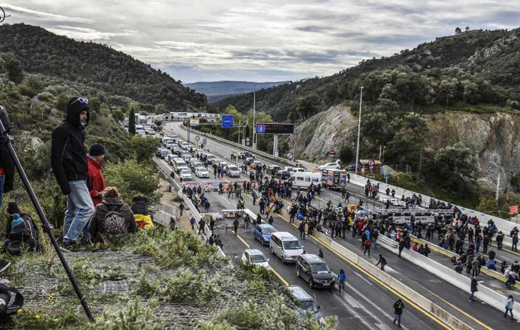 LIVEBLOG wegblokkades Spaans/Franse grens AP-7 Catalonië