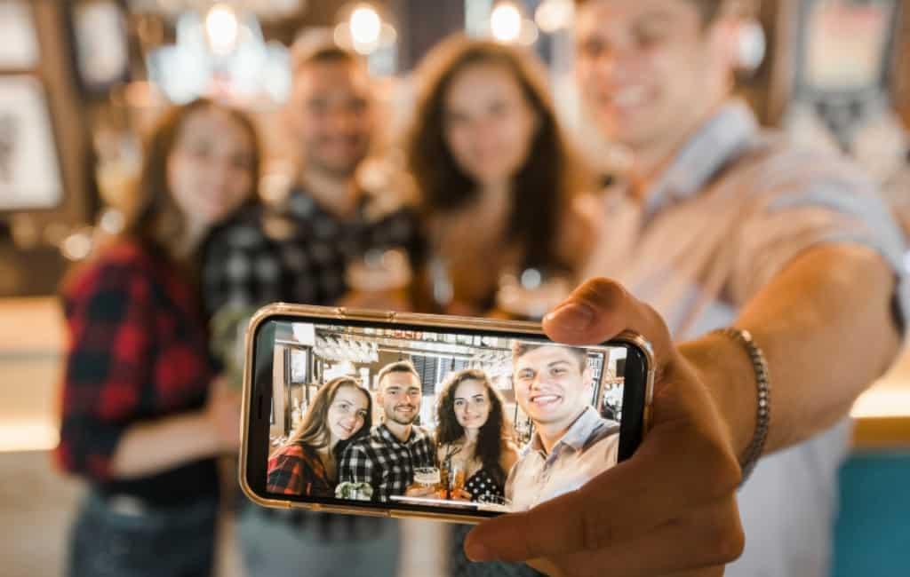 Spanje is Selfie-land met gemiddeld 728 'selfis' per persoon