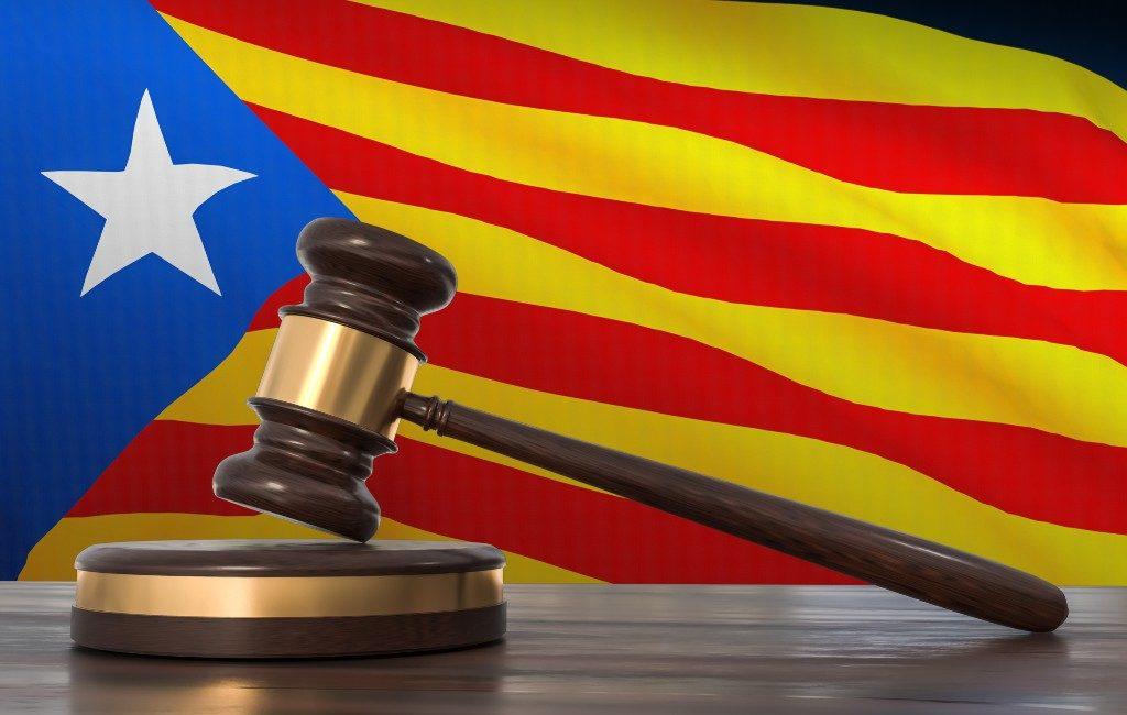 Spaanse rechter vraagt opheffing onschendbaarheid Puigdemont