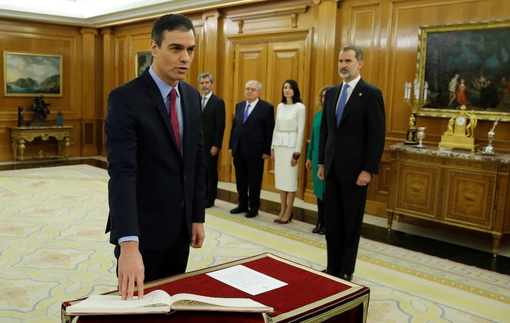 Pedro Sánchez beëdigd als nieuwe premier van Spanje