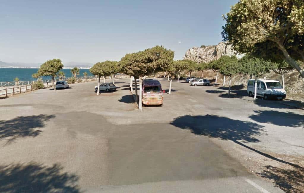 Duitse man valt vrouw aan en zet camper in brand in Málaga