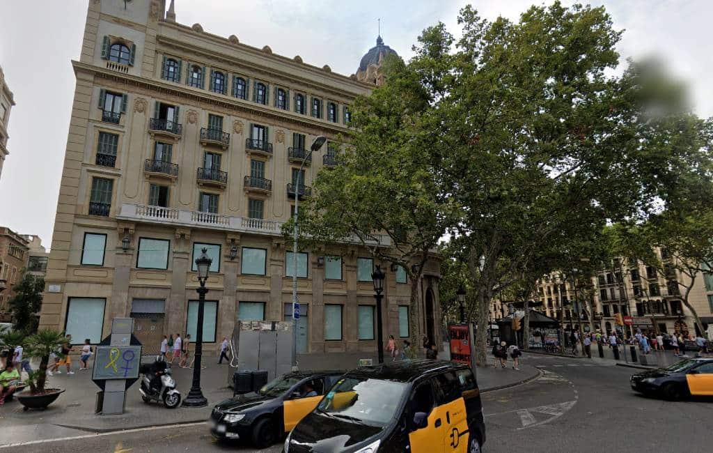 Primark opent Spanje's op een grootste winkel in Barcelona