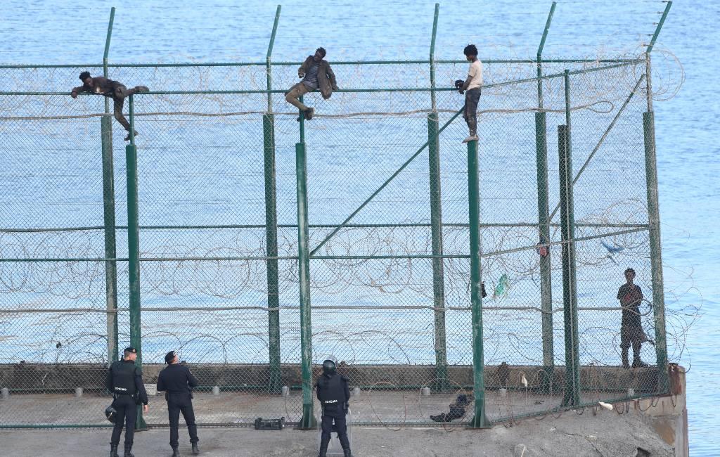 Hekken Ceuta en Melilla worden verhoogd