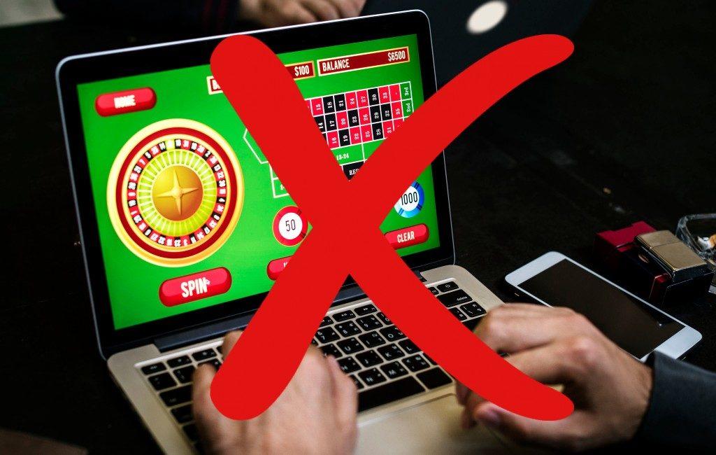 Minister wil online gokken-advertenties overdag verbieden in Spanje