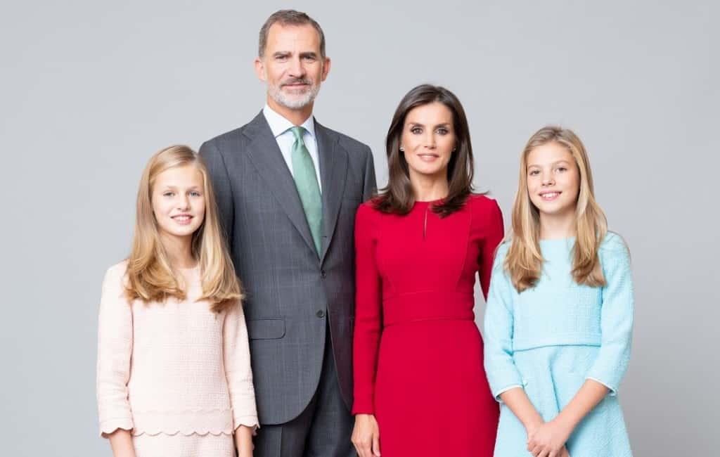 Nieuwe staatsiefoto's koninklijke familie Spanje gepubliceerd