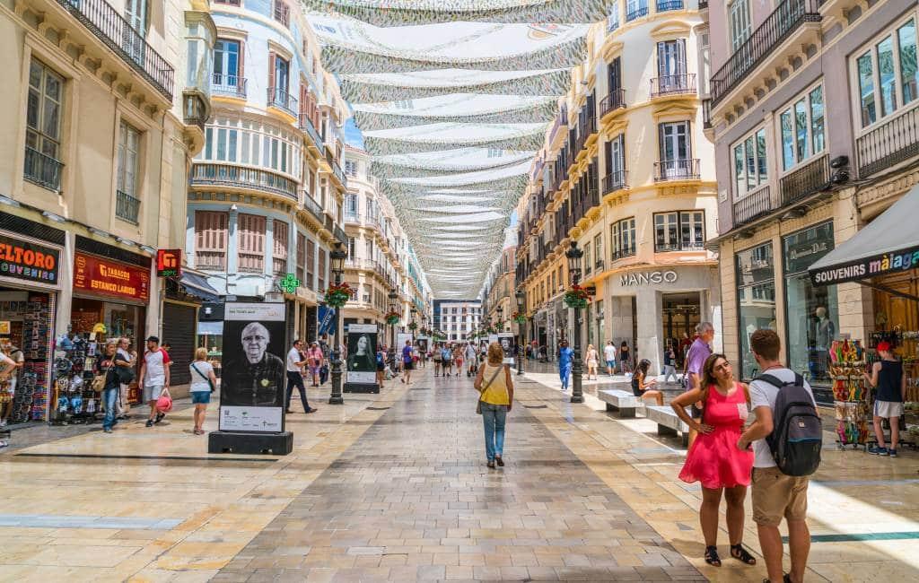 Calle Larios in Málaga meest commerciële straat van Spanje